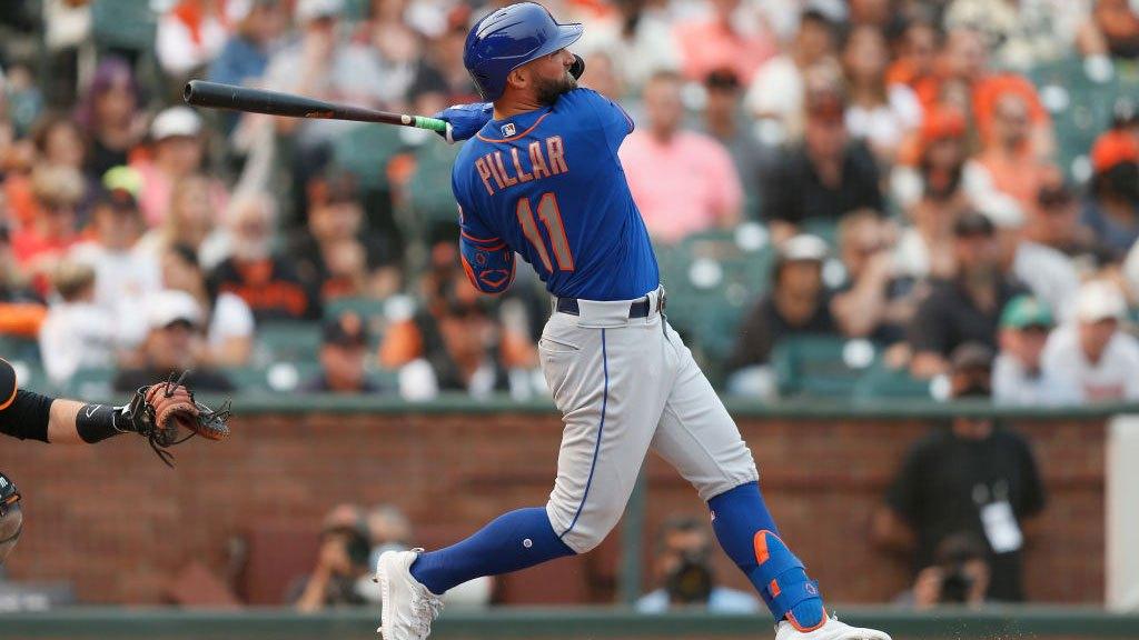 On Twitter, Mets owner Steve Cohen criticizes the team's 'unproductive' batters