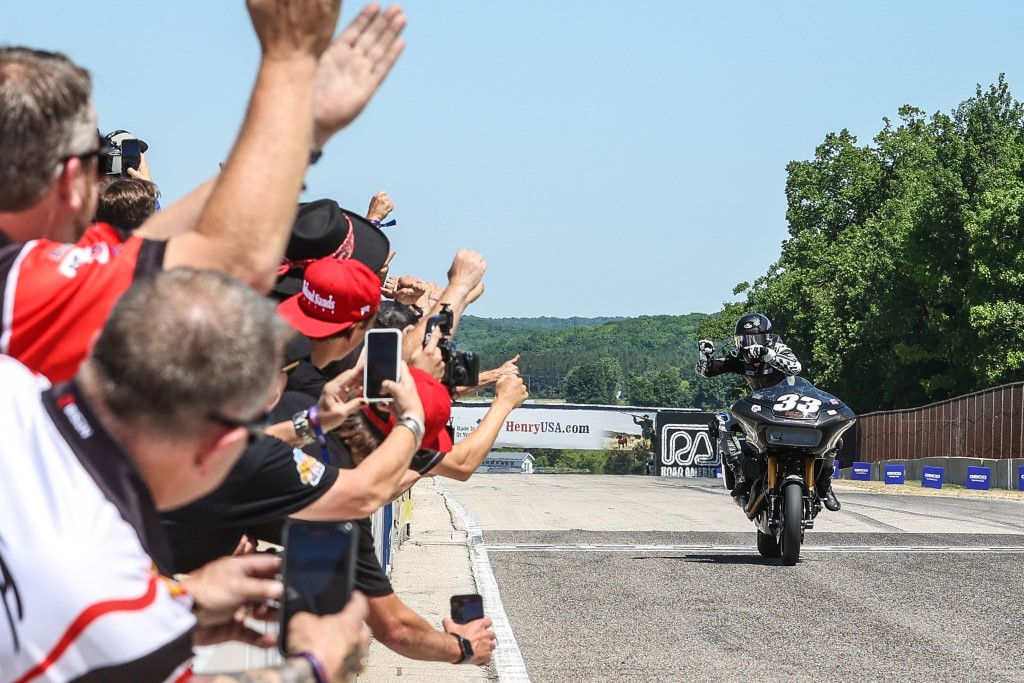 Round 2 of the 2021 King of the Baggers Series is won by Harley-Davidson