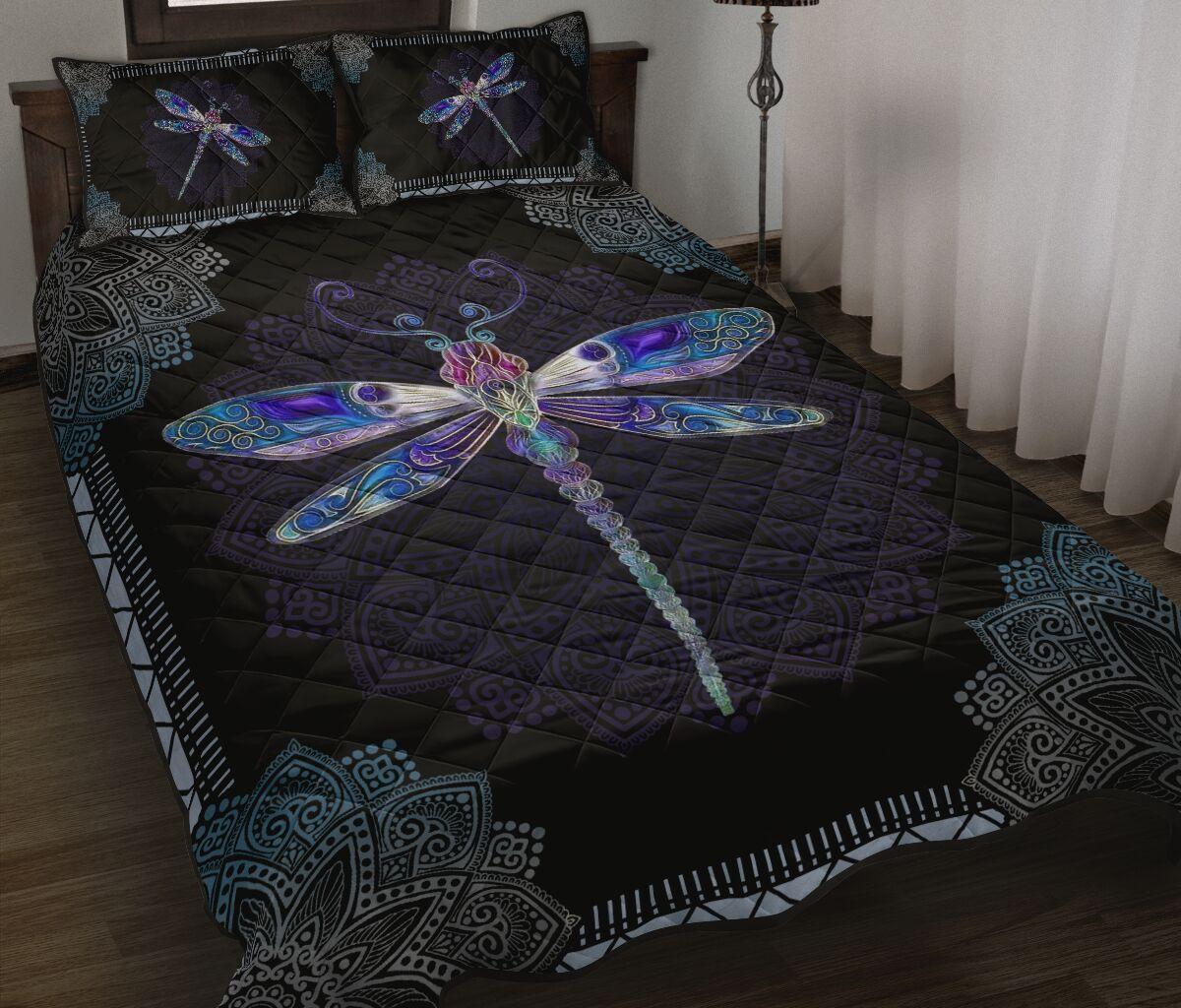 mandala version dragonfly full over print quilt 2