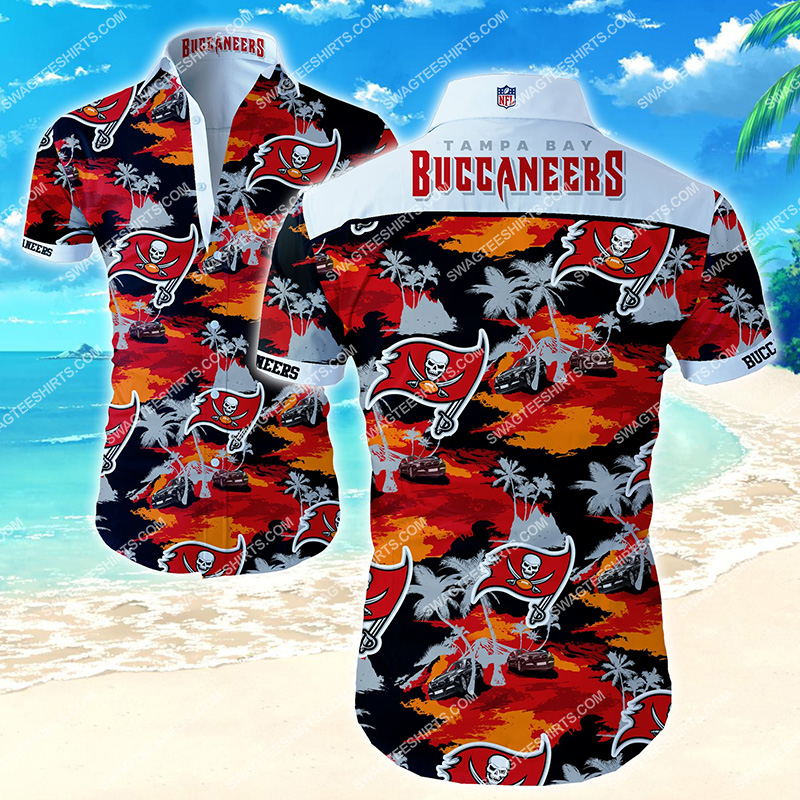 the tampa bay buccaneers football team hawaiian shirt 2