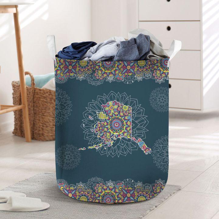 vintage alaska all over printed laundry basket 4