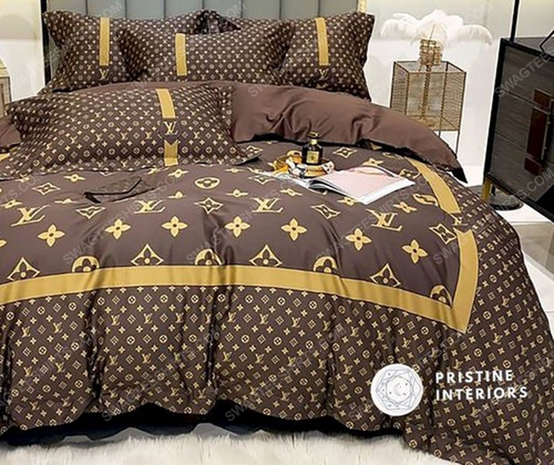 Lv monogram brown version full print duvet cover bedding set 3 - Copy